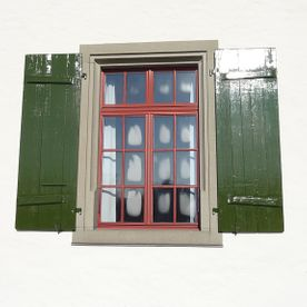 Fensterladen in Oel renoviert